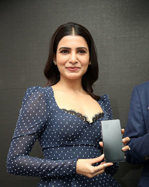 Samantha Launches Oneplus Mobiles At Big C | Picture 1690702