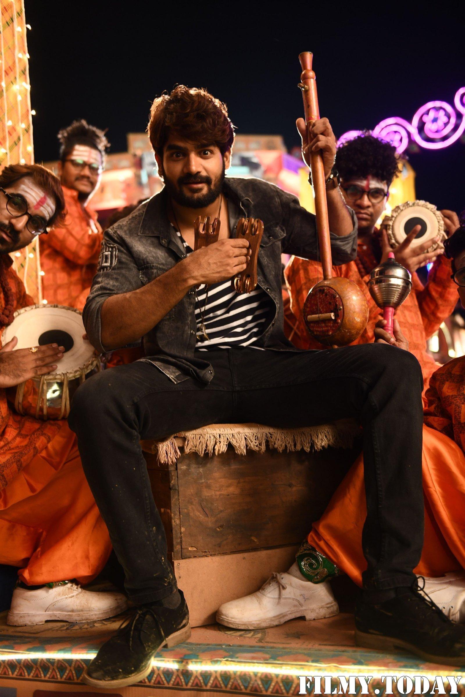 Kartikeya Gummakonda - 90 ML Telugu Movie Stills   Picture 1692282