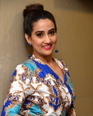 Manjusha At Meeku Maathrame Chepta Movie Pre Release Event Photos