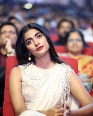 Pooja Hegde - Valmiki Movie Pre Release Event Photos | Picture 1682088