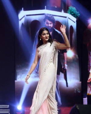Pooja Hegde - Valmiki Movie Pre Release Event Photos | Picture 1682132