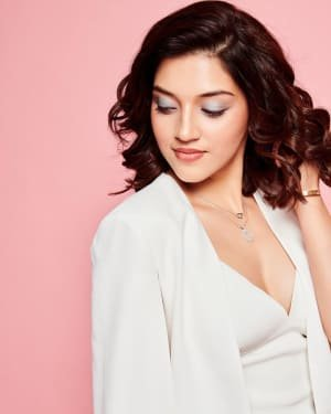 Mehreen Kaur Pirzadaa Latest Photoshoot | Picture 1729148