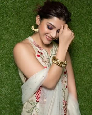 Mehreen Kaur Pirzadaa Latest Photoshoot | Picture 1729143