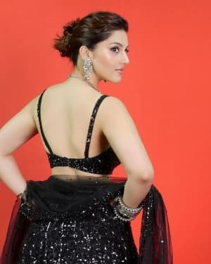 Mehreen Kaur Pirzadaa Latest Photoshoot | Picture 1729146