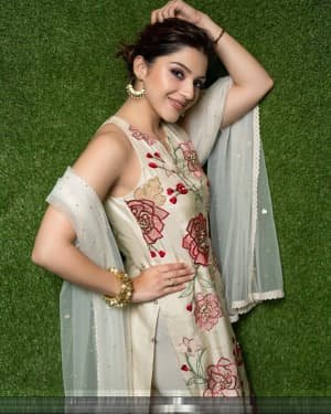 Mehreen Kaur Pirzadaa Latest Photoshoot | Picture 1729138