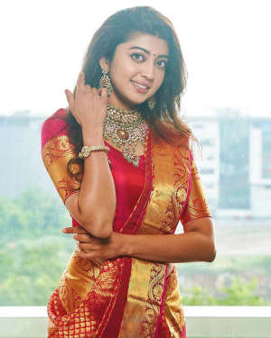 Pranitha Subhash Latest Photos   Picture 1730005