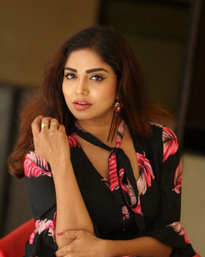 Karunya Chowdary - 3 Monkeys Telugu Movie Press Meet Photos | Picture 1718063