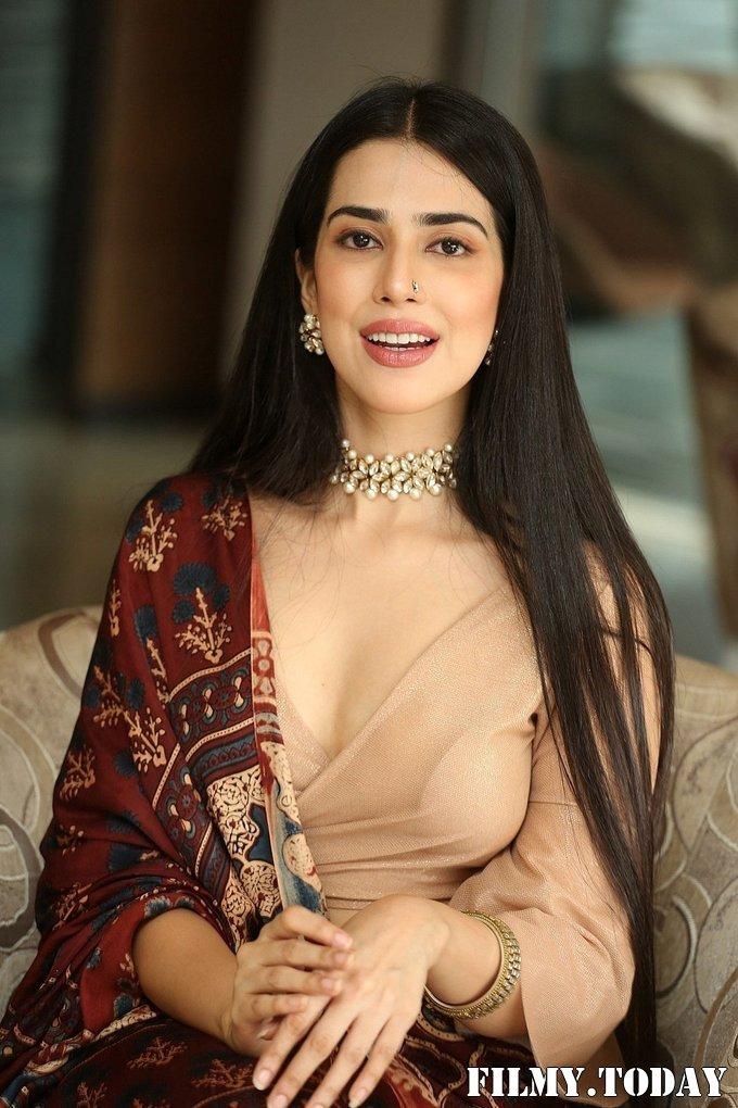 Saloni Mishra - 22 Telugu Movie Press Meet Photos | Picture 1718478