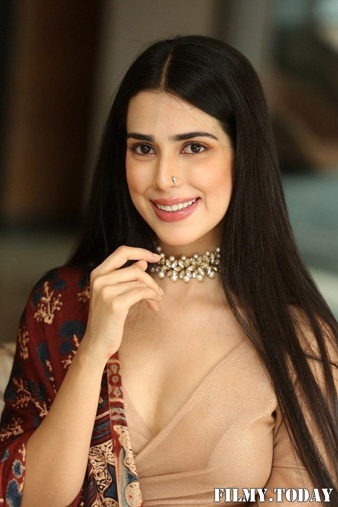 Saloni Mishra - 22 Telugu Movie Press Meet Photos | Picture 1718476