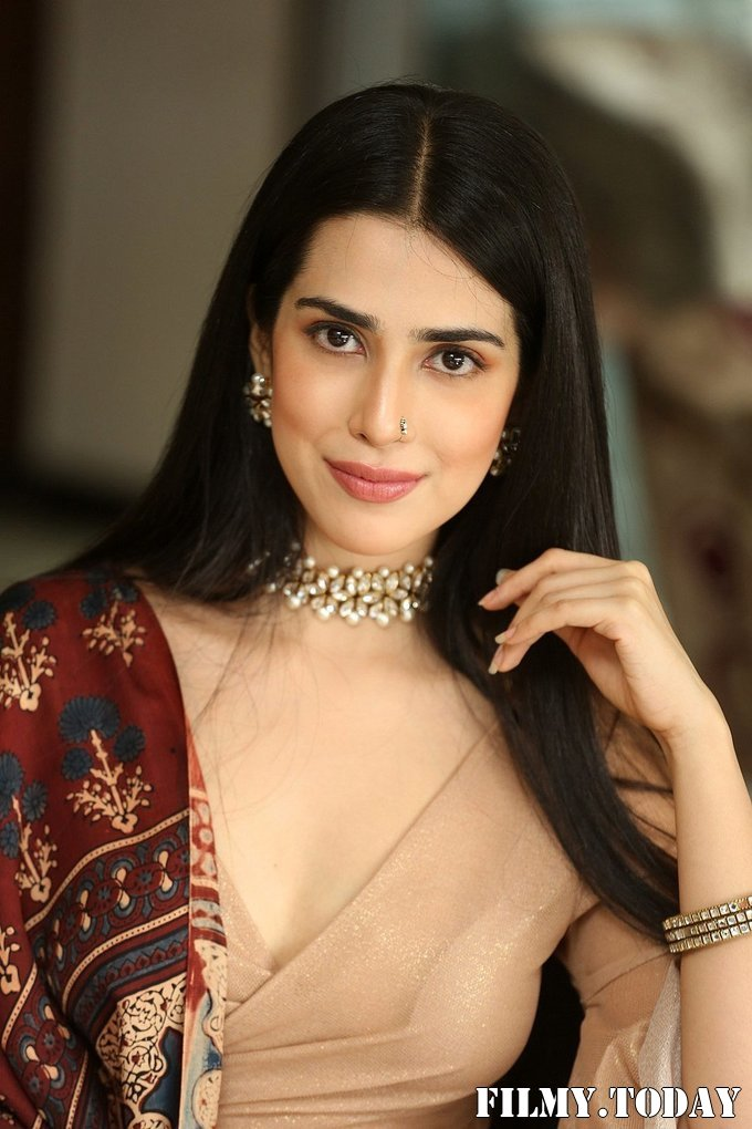 Saloni Mishra - 22 Telugu Movie Press Meet Photos | Picture 1718485