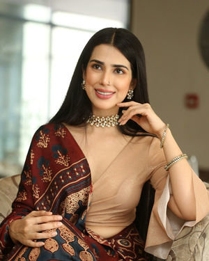 Saloni Mishra - 22 Telugu Movie Press Meet Photos | Picture 1718469