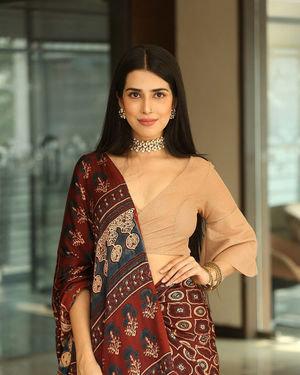 Saloni Mishra - 22 Telugu Movie Press Meet Photos | Picture 1718451