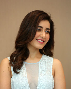 Raashi Khanna - World Famous Lover Movie Trailer Launch Photos | Picture 1719358