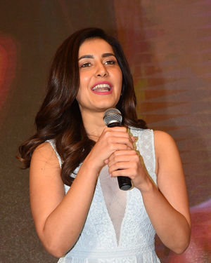 Raashi Khanna - World Famous Lover Movie Trailer Launch Photos | Picture 1719473