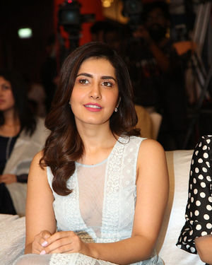 Raashi Khanna - World Famous Lover Movie Trailer Launch Photos | Picture 1719395