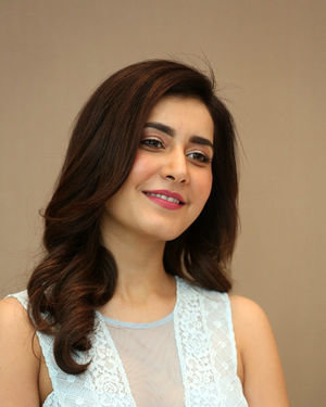 Raashi Khanna - World Famous Lover Movie Trailer Launch Photos | Picture 1719356