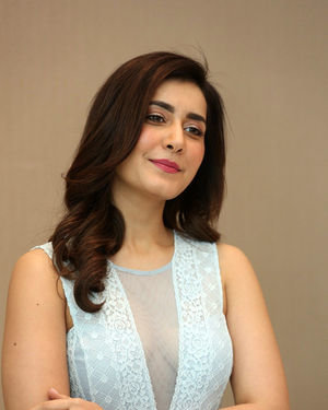 Raashi Khanna - World Famous Lover Movie Trailer Launch Photos | Picture 1719355