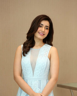 Raashi Khanna - World Famous Lover Movie Trailer Launch Photos | Picture 1719352