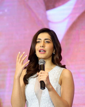 Raashi Khanna - World Famous Lover Movie Trailer Launch Photos | Picture 1719411
