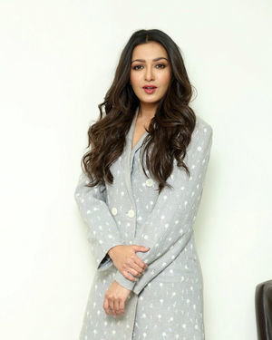 Catherine Tresa At World Famous Lover Movie Interview Photos   Picture 1719877