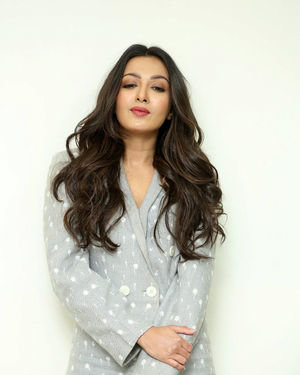 Catherine Tresa At World Famous Lover Movie Interview Photos   Picture 1719884