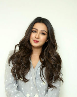 Catherine Tresa At World Famous Lover Movie Interview Photos   Picture 1719879