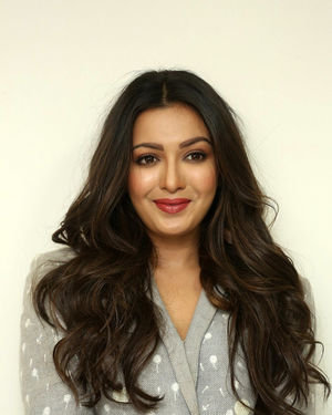 Catherine Tresa At World Famous Lover Movie Interview Photos   Picture 1719876