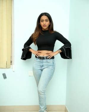 Shruti Shetty - Life Anubavinchu Raja Movie Interview Photos | Picture 1720135