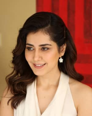 Raashi Khanna At World Famous Lover Film Interview Photos | Picture 1720491