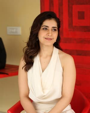Raashi Khanna At World Famous Lover Film Interview Photos | Picture 1720492
