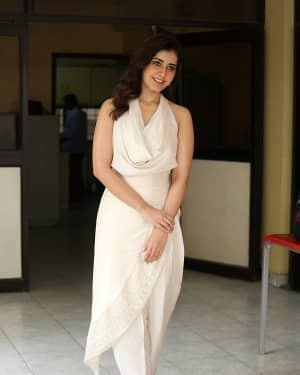 Raashi Khanna At World Famous Lover Film Interview Photos | Picture 1720505