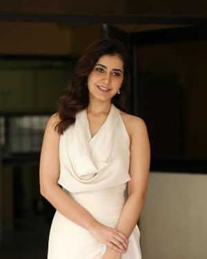 Raashi Khanna At World Famous Lover Film Interview Photos | Picture 1720504