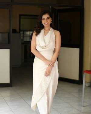Raashi Khanna At World Famous Lover Film Interview Photos | Picture 1720503