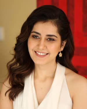 Raashi Khanna At World Famous Lover Film Interview Photos | Picture 1720495