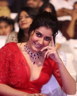 Raashi Khanna - Photos: Promotion Of Telugu Film World Famous Lover | Picture 1720643