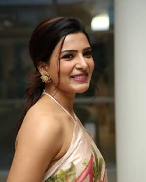 Samantha Akkineni At Jaanu Movie Thanks Meet Photos | Picture 1720655