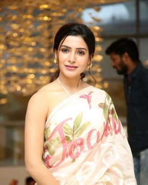Samantha Akkineni At Jaanu Movie Thanks Meet Photos