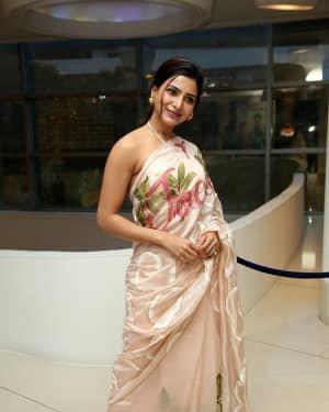 Samantha Akkineni At Jaanu Movie Thanks Meet Photos | Picture 1720664