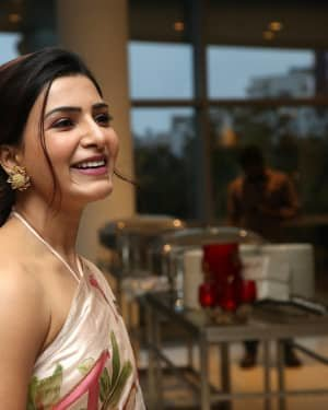 Samantha Akkineni At Jaanu Movie Thanks Meet Photos | Picture 1720668