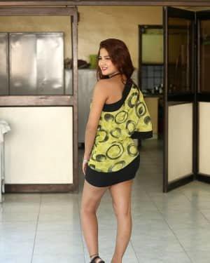 Sravani Nikki - Life Anubhavinchu Raja Movie Success Meet Photos | Picture 1721112