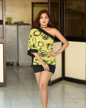Sravani Nikki - Life Anubhavinchu Raja Movie Success Meet Photos | Picture 1721104