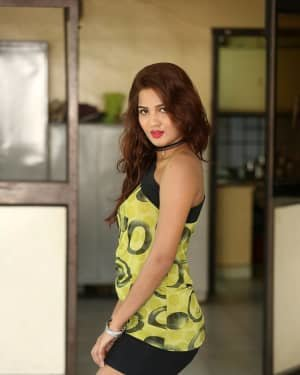 Sravani Nikki - Life Anubhavinchu Raja Movie Success Meet Photos | Picture 1721114