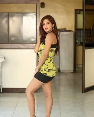 Sravani Nikki - Life Anubhavinchu Raja Movie Success Meet Photos | Picture 1721103