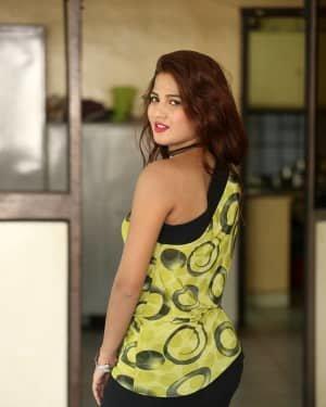 Sravani Nikki - Life Anubhavinchu Raja Movie Success Meet Photos | Picture 1721113