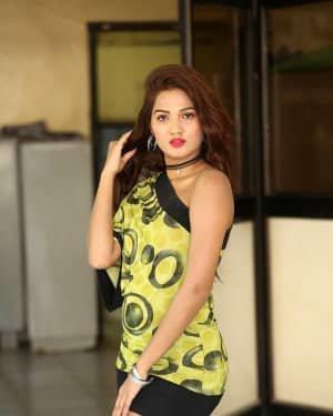 Sravani Nikki - Life Anubhavinchu Raja Movie Success Meet Photos | Picture 1721108