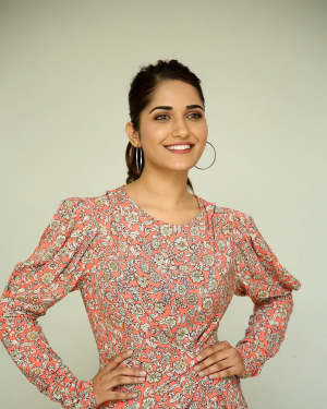 Ruhani Sharma - Hit Telugu Movie Trailer Launch Photos | Picture 1721864