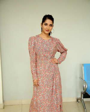 Ruhani Sharma - Hit Telugu Movie Trailer Launch Photos | Picture 1721861