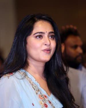 Anushka Shetty - Hit Telugu Movie Pre Release Event Photos | Picture 1722643