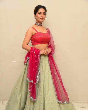Ruhani Sharma - HIT Movie Pre-release Event At Vizag | Picture 1723302