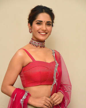 Ruhani Sharma - HIT Movie Pre-release Event At Vizag | Picture 1723305